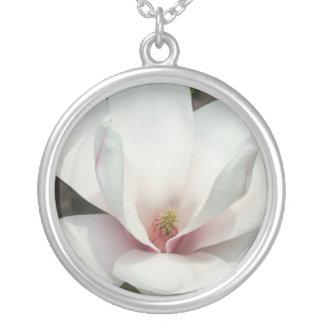 Magnoliaen blomstrar halsband