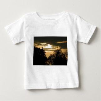 Maj härligheten av gudsken på dig solnedgångfoto tee