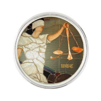 Majestätisk damrättvisa i målat glassdesign kavajnål