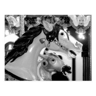 Målad hästkarusell tätt upp vykort