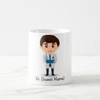 Male doktor för personligbrunett kaffemugg