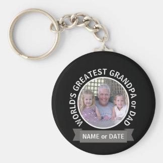 Mall för foto för världsmästarepappamorfar rund nyckelring