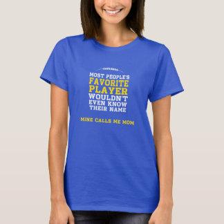 Mamma beklär mörk skjorta Y för favorit- Tshirts