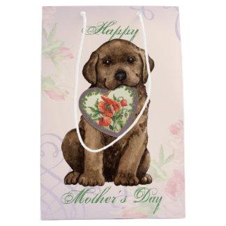 Mamma för chokladlabbhjärta