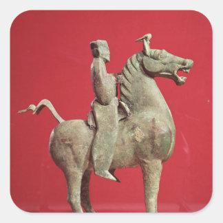 Man på hästrygg från Wu-wei, Kansu Fyrkantigt Klistermärke