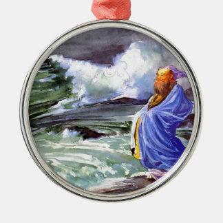 Man vid den stormiga havsmålningen julgransprydnad metall