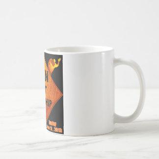 Manar på dyrkan kaffemugg