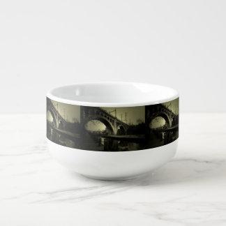 Manayunk överbryggar kopp för soppa