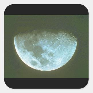 Måne. (måne; skugga; himmel; night_Spaceplatser Fyrkantigt Klistermärke