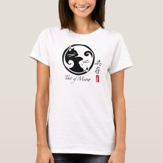Många Yin Yang kattkvinna utslagsplats (Colors_ T Shirt