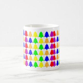 Mångfärgade julgranar kaffemugg