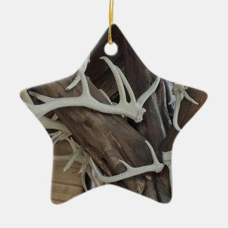 Manliga fotohorn på kronhjort slogg in poler julgransprydnad keramik