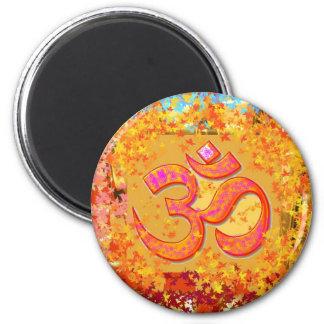 Mantra för NOVINO Om - dedikation av Naveen Joshi Magnet Rund 5.7 Cm