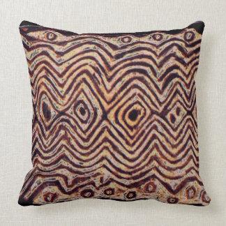 Maori stam- skyddar dekorativ kudde