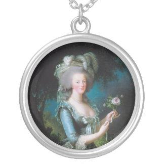 Marie-Antoinette med ron av Elisabet Lebrun Silverpläterat Halsband