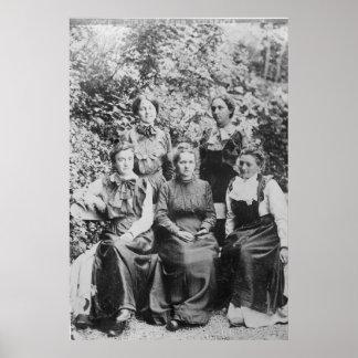 Marie Sklodowska Curie med henne fyra studenter Poster