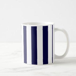 Marinblå och extra stort randmönster för vit kaffemugg