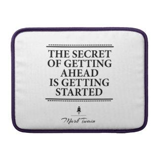 Mark Twain det inspirera citationstecknet - få det MacBook Air Sleeve
