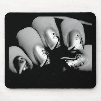 Märkes- Fingernails Musmattor