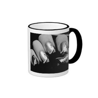 Märkes- Fingernails Ringer Mugg
