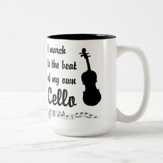 Mars till takten: Violoncell Två-Tonad Mugg