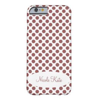 Marsala polka dotsMonogram Barely There iPhone 6 Skal