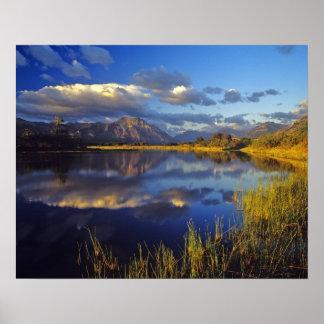 Maskinonge sjö i Waterton sjöarnationalpark 3 Poster