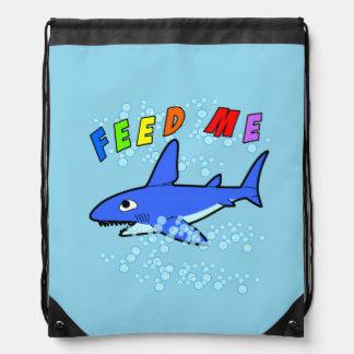 Mata mig hajDrawstringryggsäcken Gympapåse