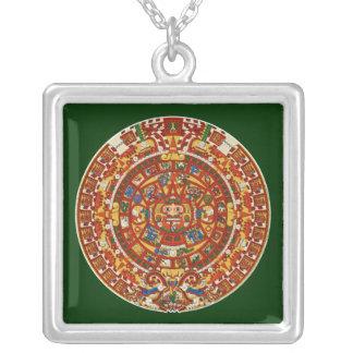 Mayan kalender som avslutar i 2012 silverpläterat halsband