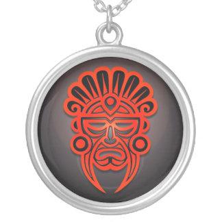 Mayan maskera designen, rött och svart silverpläterat halsband