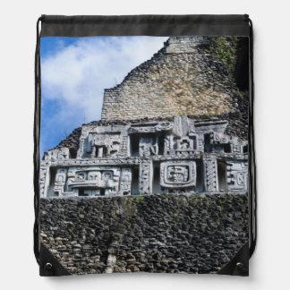 Mayan Xunantunich fördärvar i Belize Gympapåse