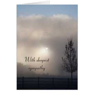 Med det dimmiga gryningkortet för djupast sympati hälsningskort