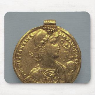 Medaljong av Constantius II, minted på Antioch Musmatta