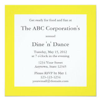 Medelgult kvadrerar företags partyinbjudan fyrkantigt 13,3 cm inbjudningskort