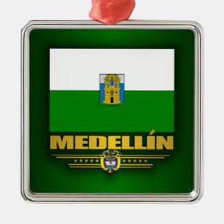 Medellin pride julgransprydnad metall