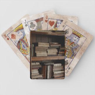 Medeltida bibliotek och bokar av forntid spelkort
