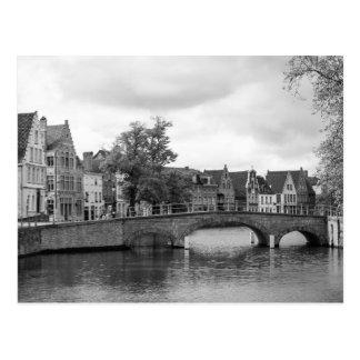 Medeltida Brugge överbryggar vykortet Vykort
