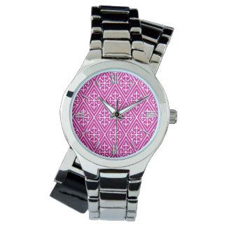 Medeltida damastast diamanter, magenta och vit armbandsur