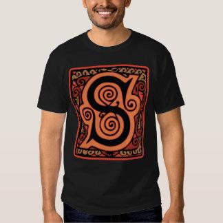 Medeltida gotisk Monogramsvart och orange för brev Tee Shirts