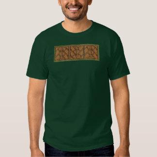 Medeltida gotiskt kvadrerar den trefaldiga panelen t-shirts