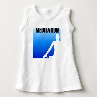 Meditationsilhouette av en person tee shirts