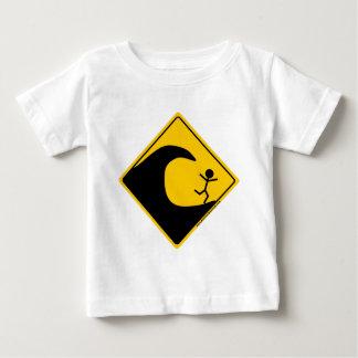 Merchandise och bekläda för Tsunamivädervarning Tee Shirts