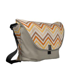 Messenger bag: Orange sparremönster Messenger Bag