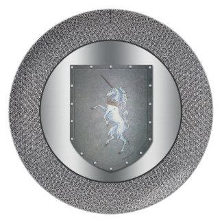 Metall skyddar unicornen silvriga Chainmail Tallrik