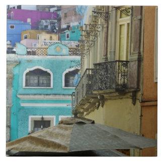 Mexico Guanajuato. Tätt packat sortiment av Kakelplatta