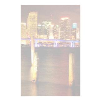 Miami horisont på natten, Florida Brevpapper