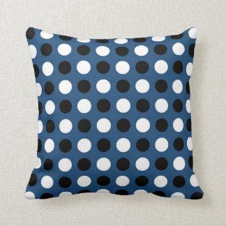 Midnatt blåttpolka dots kudde