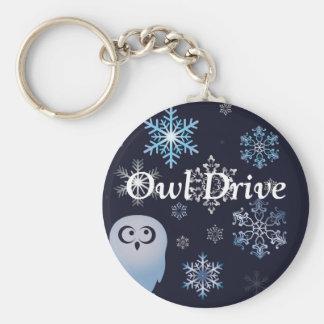 Mig förmiddag för ugglajul för dyft en snöig blått rund nyckelring