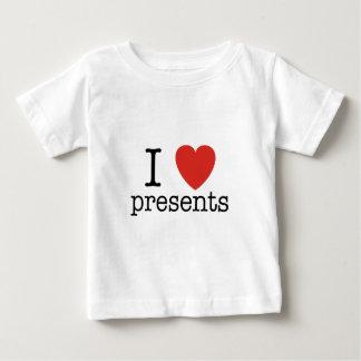 Mig hjärtapresenter t shirts