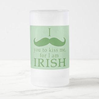 Mig mustasch dig som kysser mig frostad glas mugg